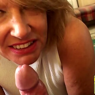 Hardcore drilling session after a blowjob with mature babe