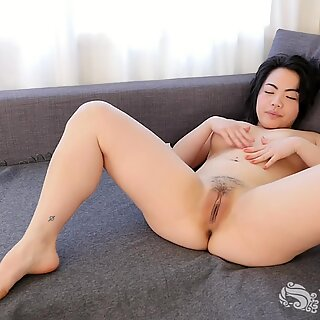 Spasms asian Hope Gold's Delectable bod