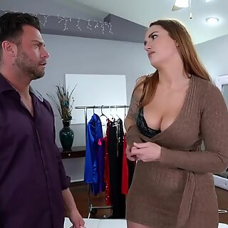 Curvy Beauty gives her Juicy Ass to Personal stylist
