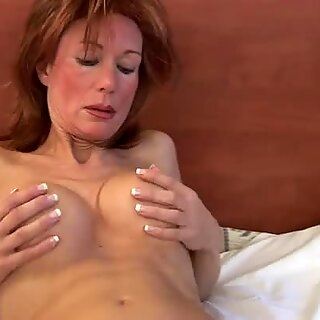Whorish mature bitch Nina pleases her vagina with a dildo