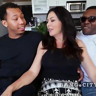 Sasha Sean vanhempi nainen haluaa mustia