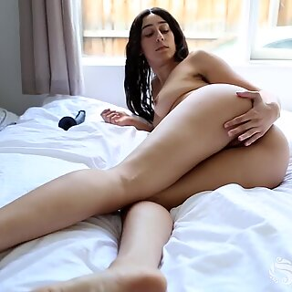 Yanks Violet Wakes up to a Giant Black Cock