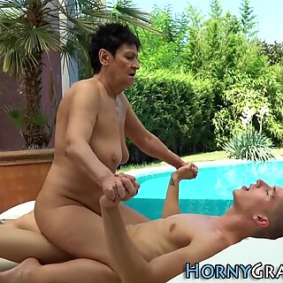 Wrinkly granny gets pounded and sucks