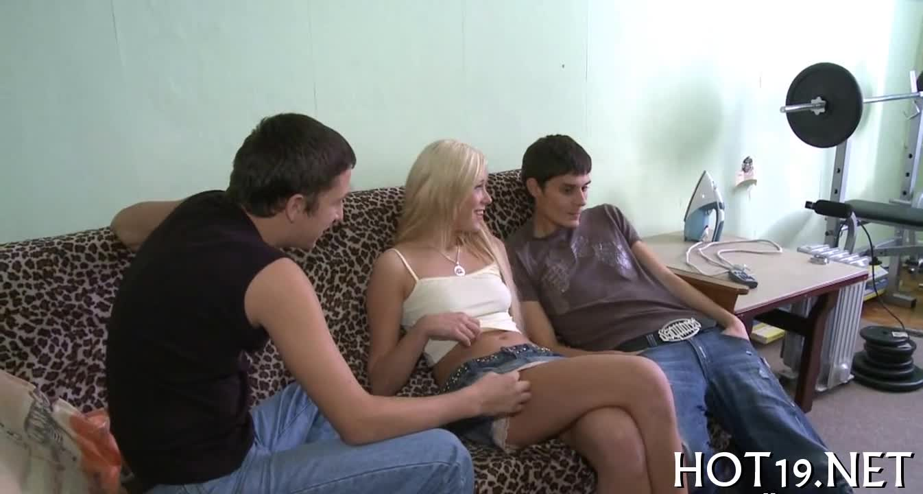 Babe bounds on long cock video