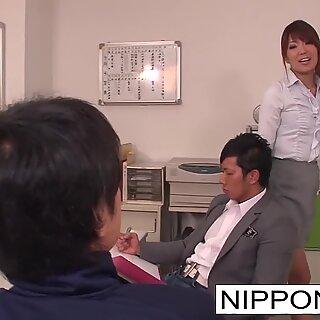JAPANILIH TYY: llä on Kolmen Kimppa Opettajan lounge