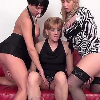 3 vanha ja nuori lesbo rakastavasta vittu