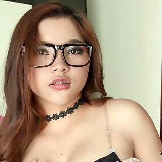 18yo Thai Hot Teen Pussy Creampie