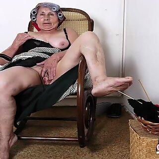 Omahotel sai joitakin Lelut KIIMAILE Vanhemmat Grannies