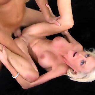 Blonde busty MILF Kinzie Fox