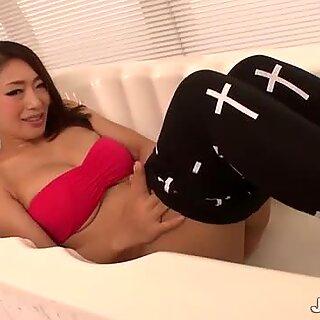 Reiko Kobayakawa professing her love giving head