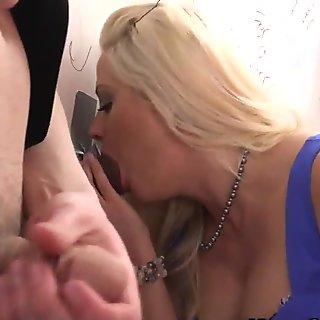 Wife gets interracial cum