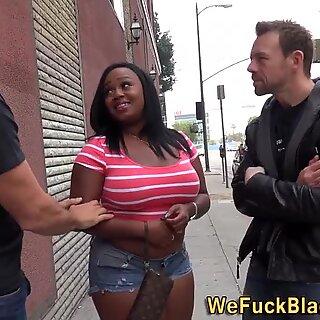 Chunky black babe gets dp