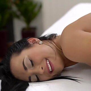 Hacer el amor caliente después de un baño abrasador - Rosa Black