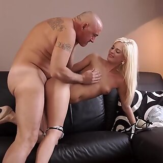 Little old granny Horny blonde wants to try someone tiny bit more experienced