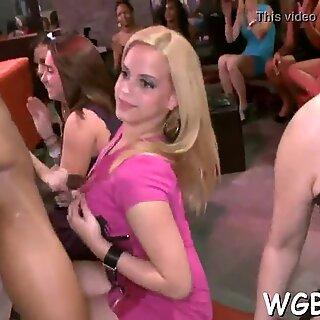 Seksuaalinen nautinto stripparin kanssa