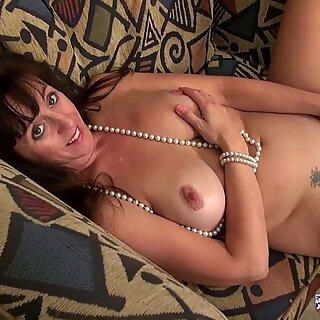 USAwives Horny Mature Lady Self Toy Masturbation