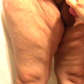 Liten penis förnedring för fet man man förlorare med pyttesnopp