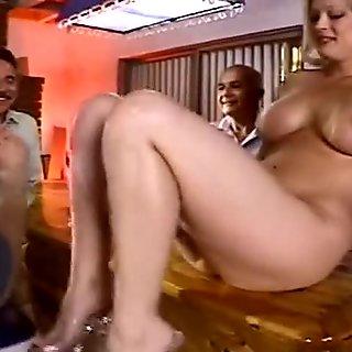 Blonde Swingers Enjoys Anal Threesome