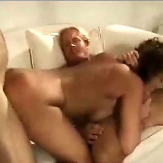 Housewife get facial from two guys