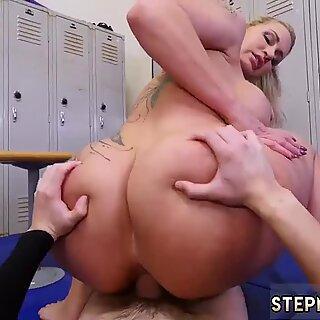 Owłosione chinki milfy i amatorki sąsiadki dominujący milfy dostaje spermę w szparze po seksie analnym - Ryan Conner