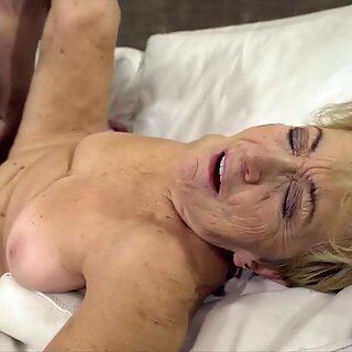 Experienced bimbo fucked by a guy partly her age