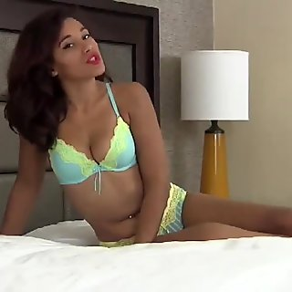 Suck my toes while he fucks my pussy