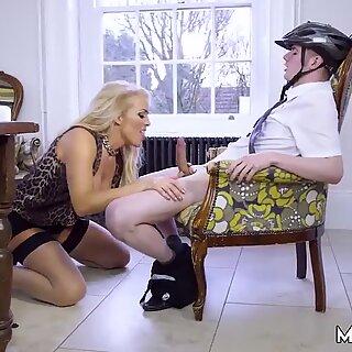 Amateur catch xxx Having Her Way With A Rookie