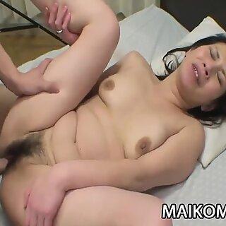 Tomomi Kawakami - JAV Mature Hairy Twat Explored