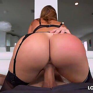 Thick booty and thick breasts latina cougar Julianna Vega