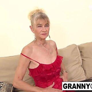 Stare Blondynki dostaje ładny analne sperma w Szkorze z BBC