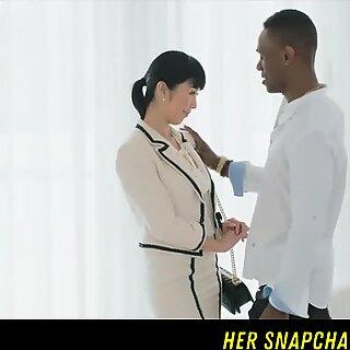 Japanilainen toimittaja vs Big BBC HER Snapchat - Wetmami19 Lisää