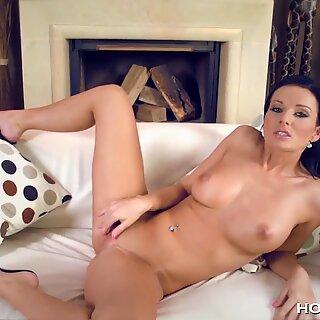 PRSNATÉ Vanessa Jordin S Orgasmic Moans